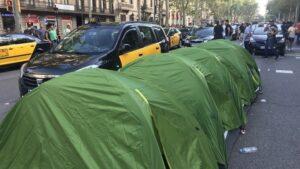 Taxistes acampats a la Gran Via