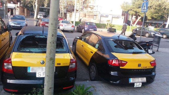 Taxis con los vidrios rotos