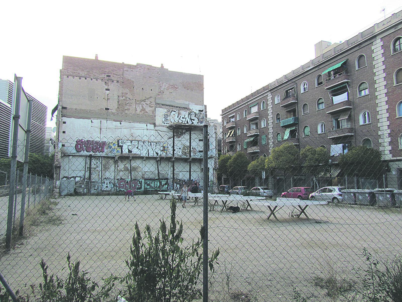 El narcocampamento de Drassanes pone de manifiesto la degradación del barrio.