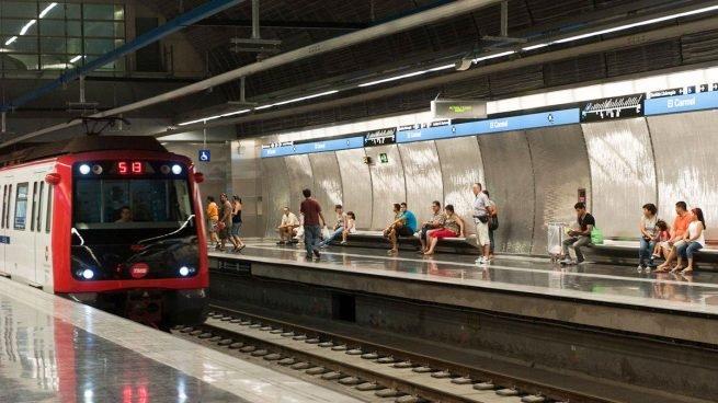 Preocupació al metro de Barcelona.