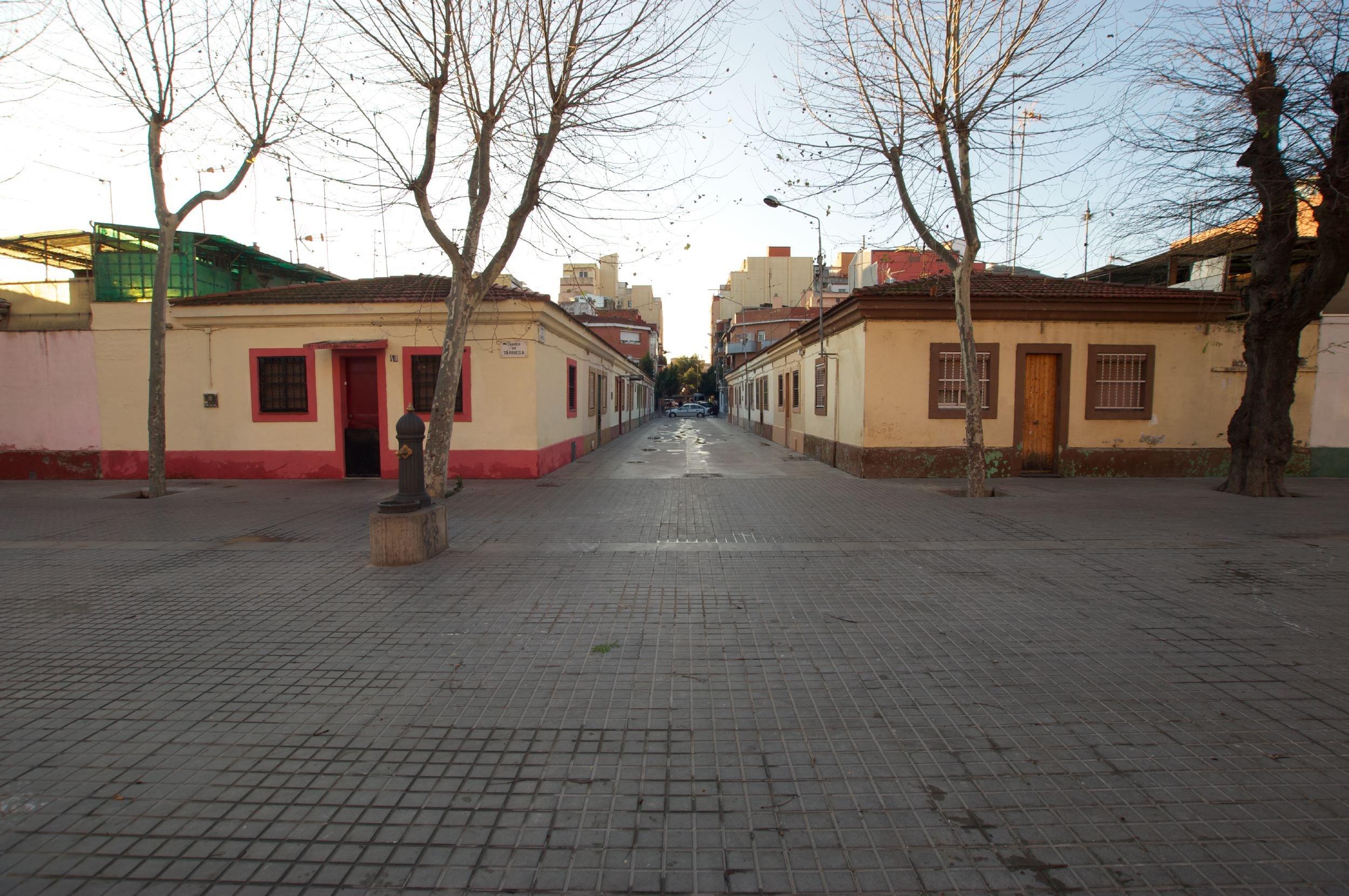 """""""Cases barates"""" del barri del Bon Pastor"""