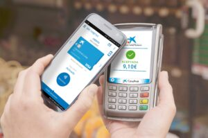 Operació de pagament móbil amb targetes de CaixaBank
