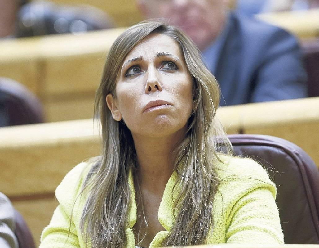 alicia_sanchez_camacho_mira_amunt