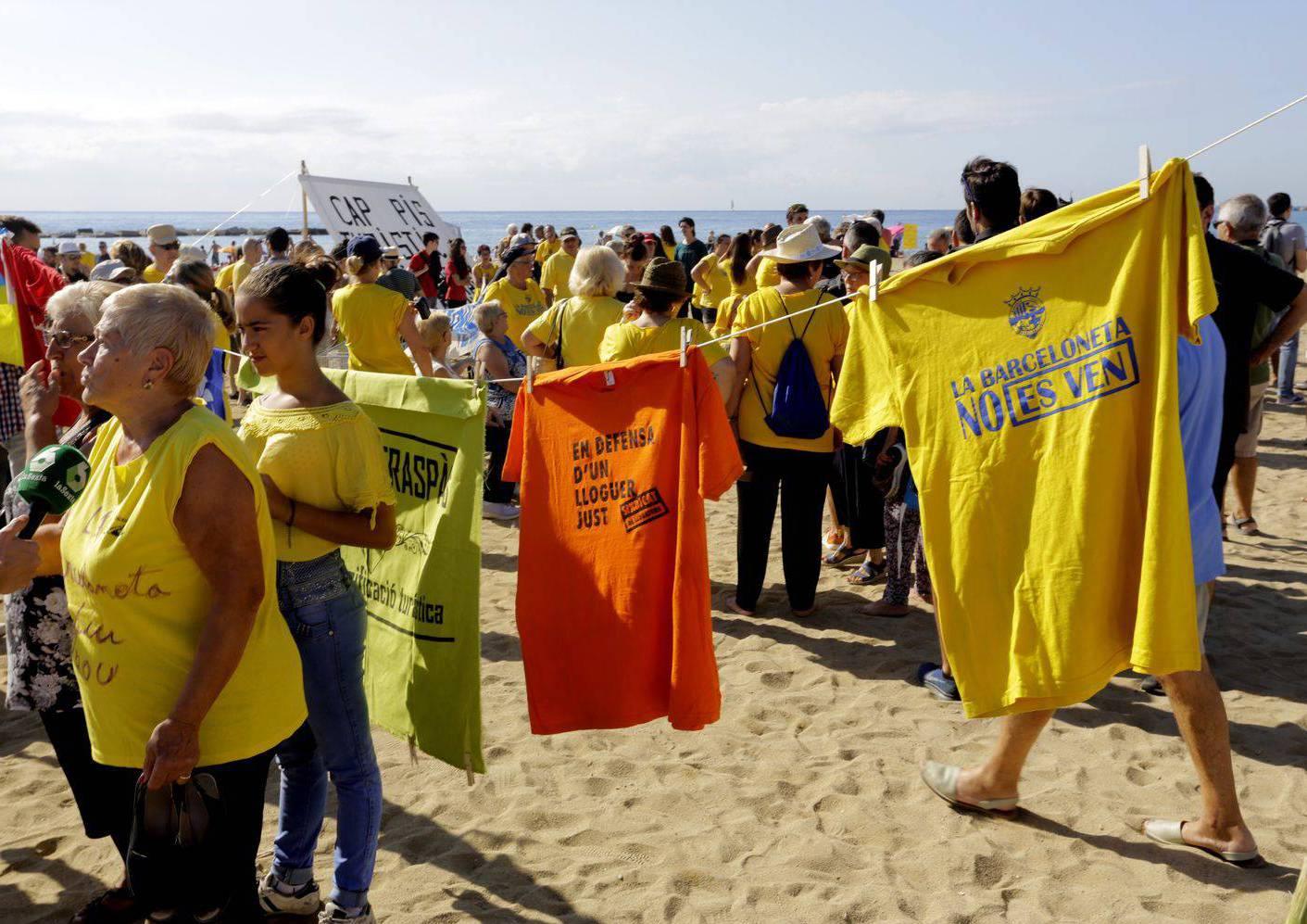 Protestes Barceloneta contra model turístic