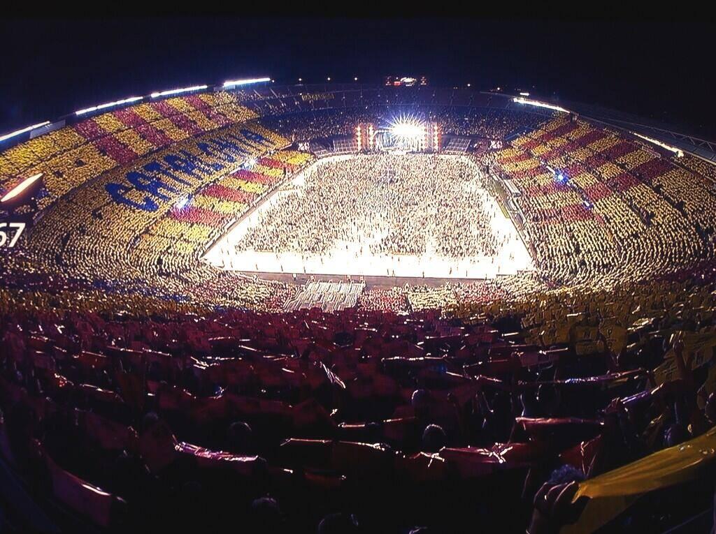Aspecte del Camp Nou quan s'hi va celebrar el Concert per la Llibertat