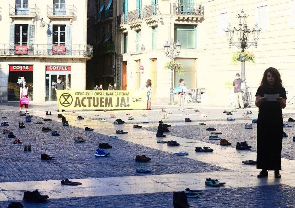 Concentració contra la contaminació a la plaça sant Jaume, a Barcel