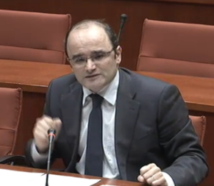 El diputat del PP, Sergio Santamaría, a la comissió d'investigació sobre el frau fiscal
