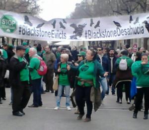 Acció de les PAH a Rambla Catalunya