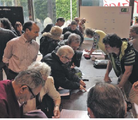 Assemblea de la marea pensionista a Sants