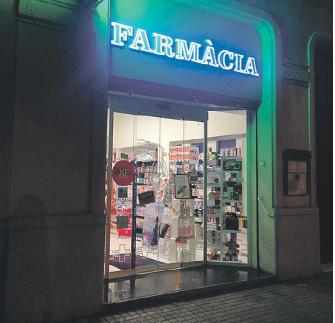 Farmàcia al carrer Mallorca de Barcelona
