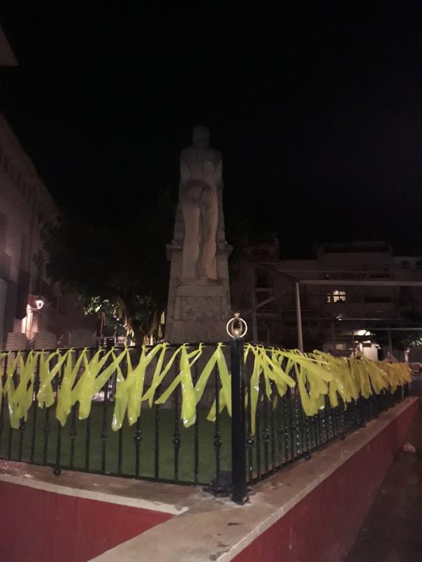 Llaços grocs a la Ribera d'Ebre
