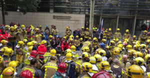 Els Bombers de la Generalitat es manifesten contra la precarietat