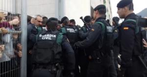 La Guàrdia Civil, a Sant Joan de Vilatorrada, l'1-O