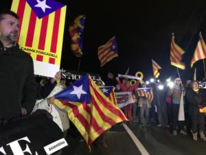 Manifestación de apoyo a Carme Forcadell en Mas d'Enric