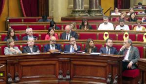 Torra y algunos de sus consejeros, en el Parlamento de Cataluña