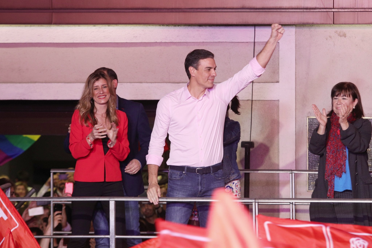 Pedro Sánchez, celebrant la victòria