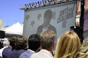 Carles Puigdemont, interviniendo en un acto de campaña de JxCat
