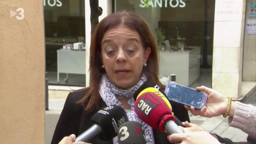 Núria Llorach, presidenta en funcions de la CCMA, fent declaracions d