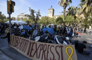 Acampada 'indepe' en la plaza Universitat de Barcelona.
