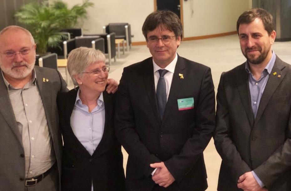 Puigdemont, acompañado por Puig, Ponsatí y Comín