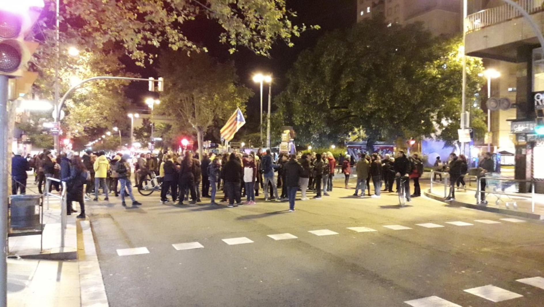 CDR manifestándose en el barrio de Sants