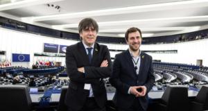 Puigdemont y Comín, seguirán como eurodiputados no adscritos