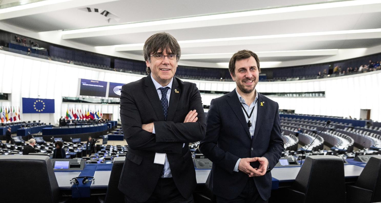 Puigdemont i Comín, seguiran com a eurodiputats no adscrits