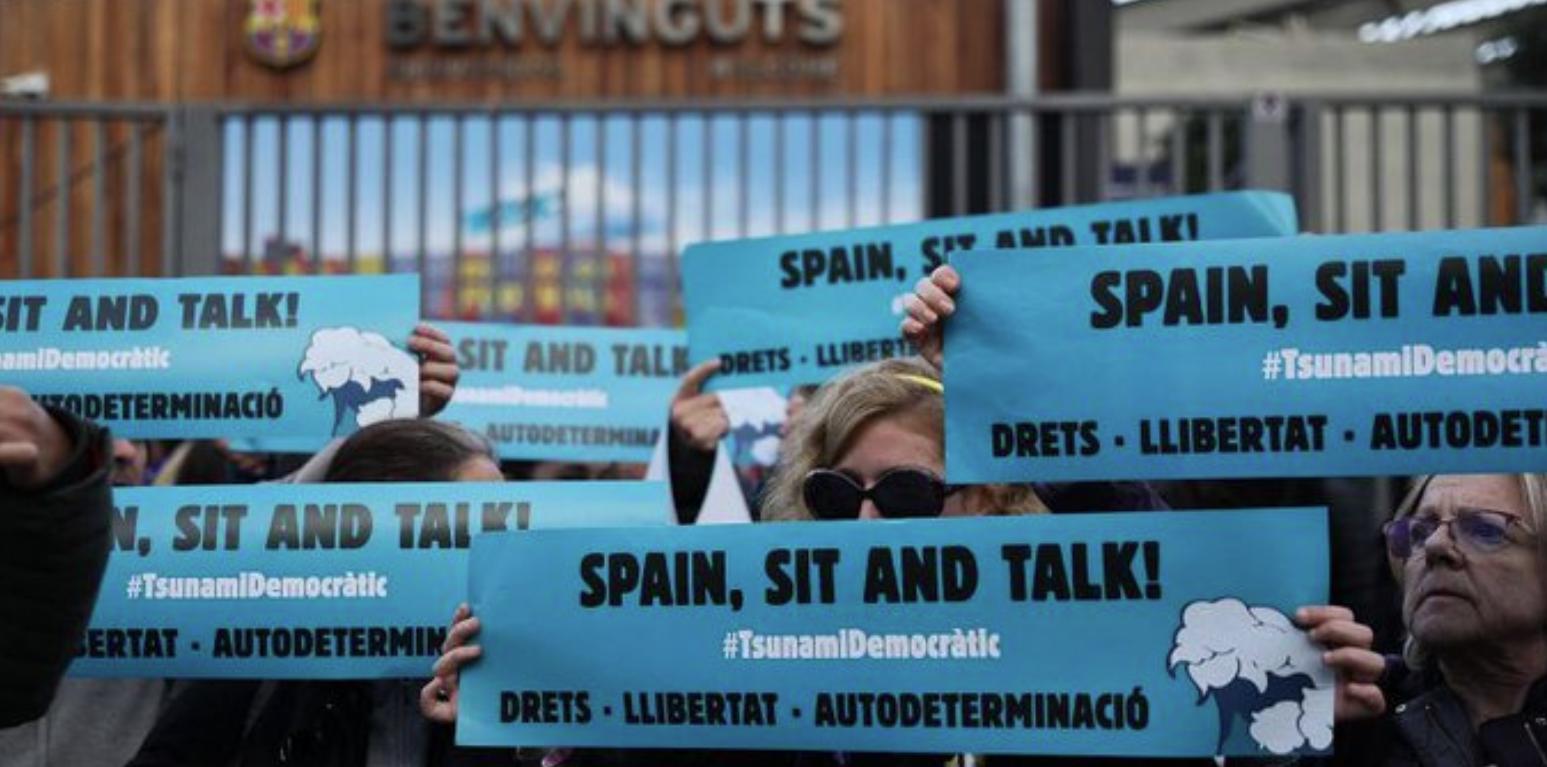Activistas de Tsunami, el día del Barça-Madrid