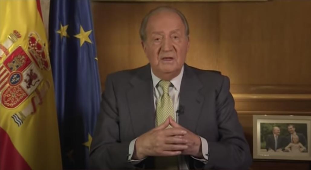 Joan Carles I, comunicant públicament que abdicava, l'any...