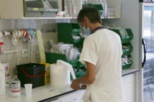 Professional sanitari a l'Hospital de la Vall d'Hebron (Barcelona)