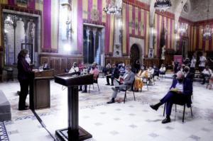 Ada Colau, interviniendo en el Ayuntamiento de Barcelona