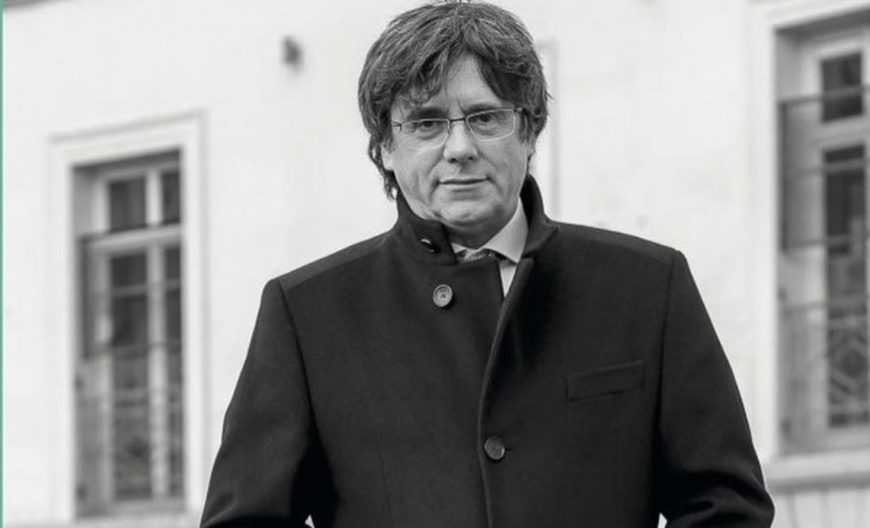 Carles Puigdemont, en la portada de su último libro, 'La lucha en el exilio'