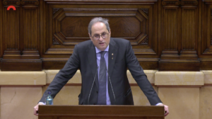 Quim Torra, en el atril del Parlamento catalán