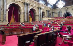 El Parlamento catalán, votando las propuestas de resolución al final