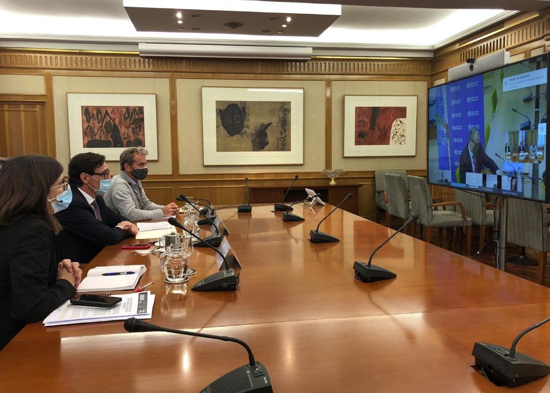 El ministro Salvador Illa, durante una reunión telemática con el responsable regional de la OMS