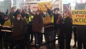 Protesta de empleados de Acciona a las puertas de Nissan