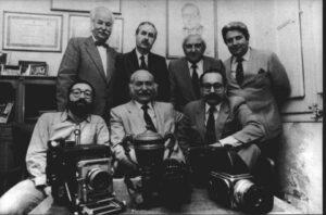 La saga Pérez de Rozas. Carlos está sentado a la derecha