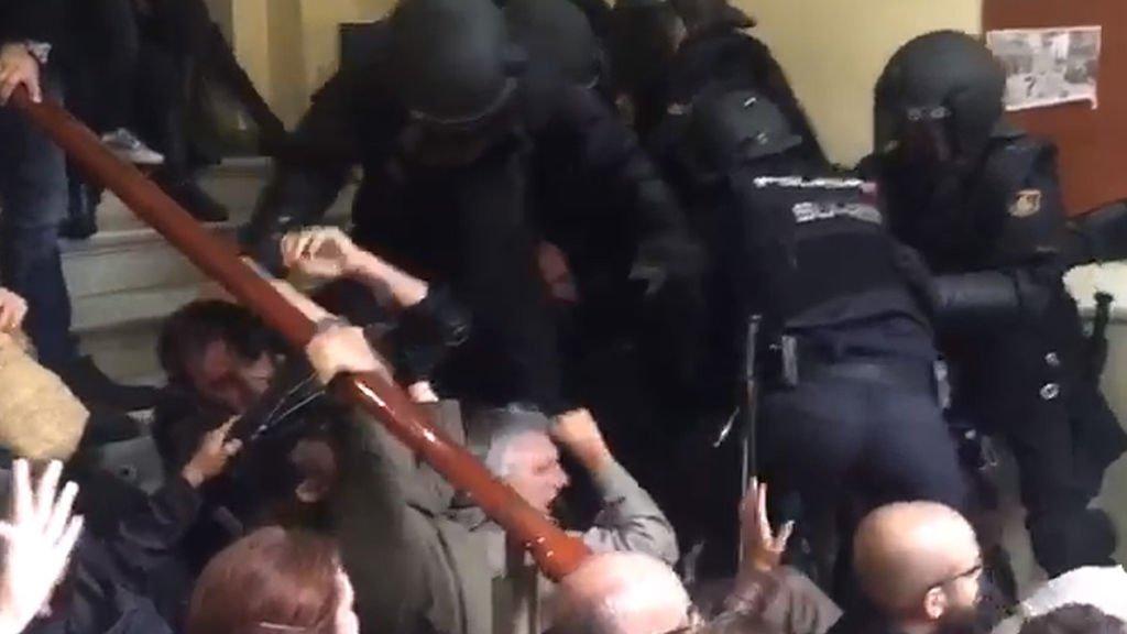 cargas policía nacional