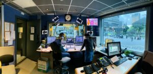 Sala de control del estudio central de Catalunya Ràdio