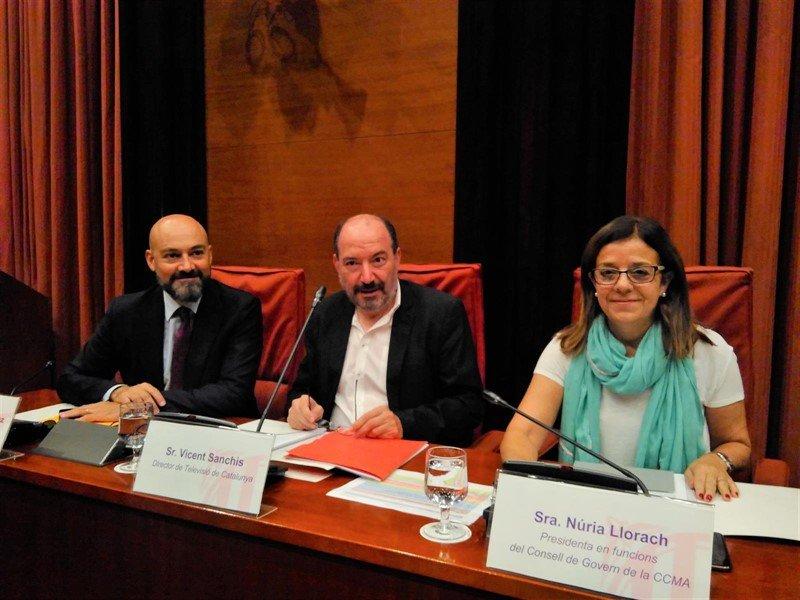 Gordillo, Sanchis y Llorach, durante una sesión de control de la CCMA en el Parlament