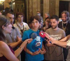 Representants de Tanquem els CIE, al Parlament
