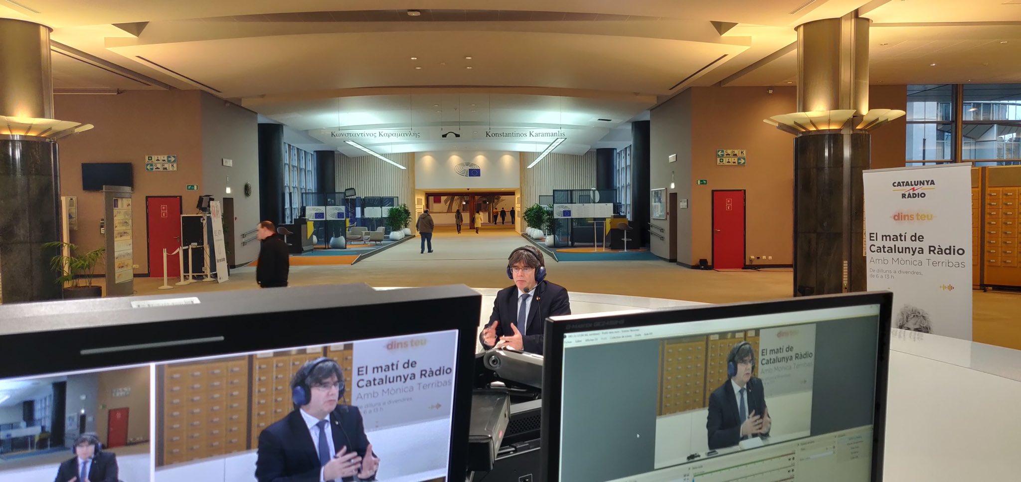 Puigdemont, durant una entrevista a Catalunya Ràdio