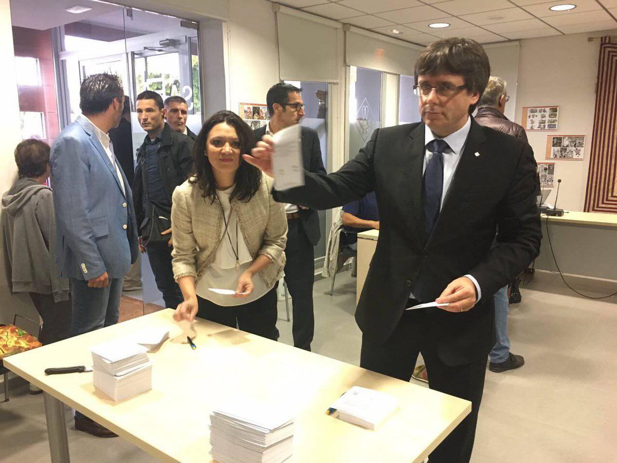 Puigdemont votant