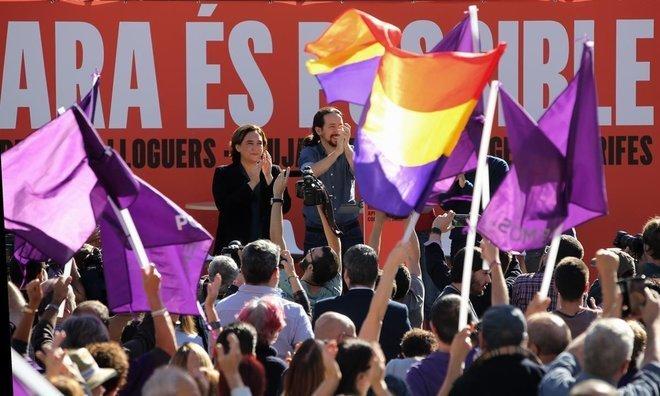 Pablo Iglesias con Ada Coláis