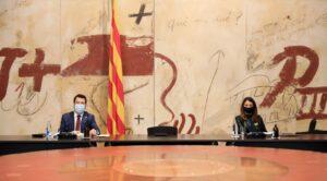Pere Aragonés y Meritxell Budó, en la reunión del gobierno catalán de este martes