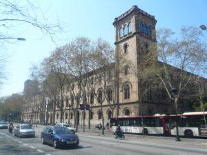 Fachada del edificio de la Universitat de Barcelona