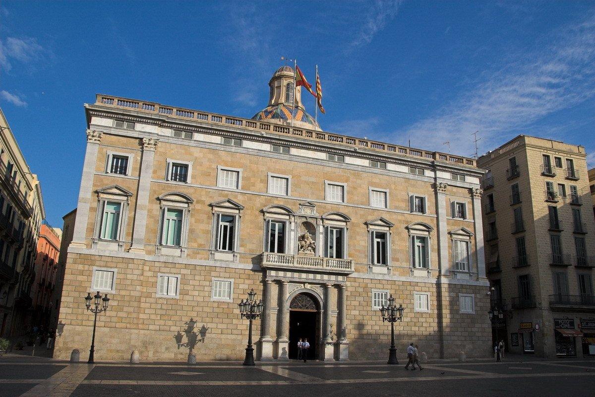 El govern de la Generalitat margina los intereses de las familias mono