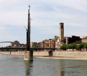 El monumento de Tortosa que conmemora la victoria franquista en la Batalla del Ebro