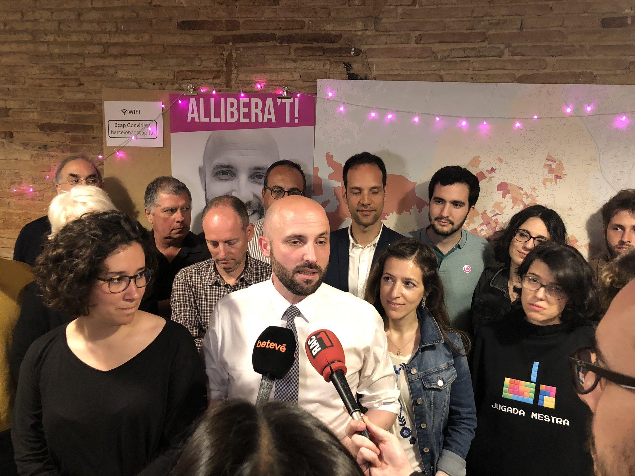 Jordi Graupera, amb membres de la seva candidatura a l'alcaldia de Bar
