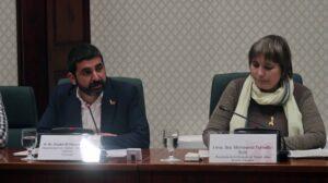 El consejero Homrani en una comisión en el Parlament
